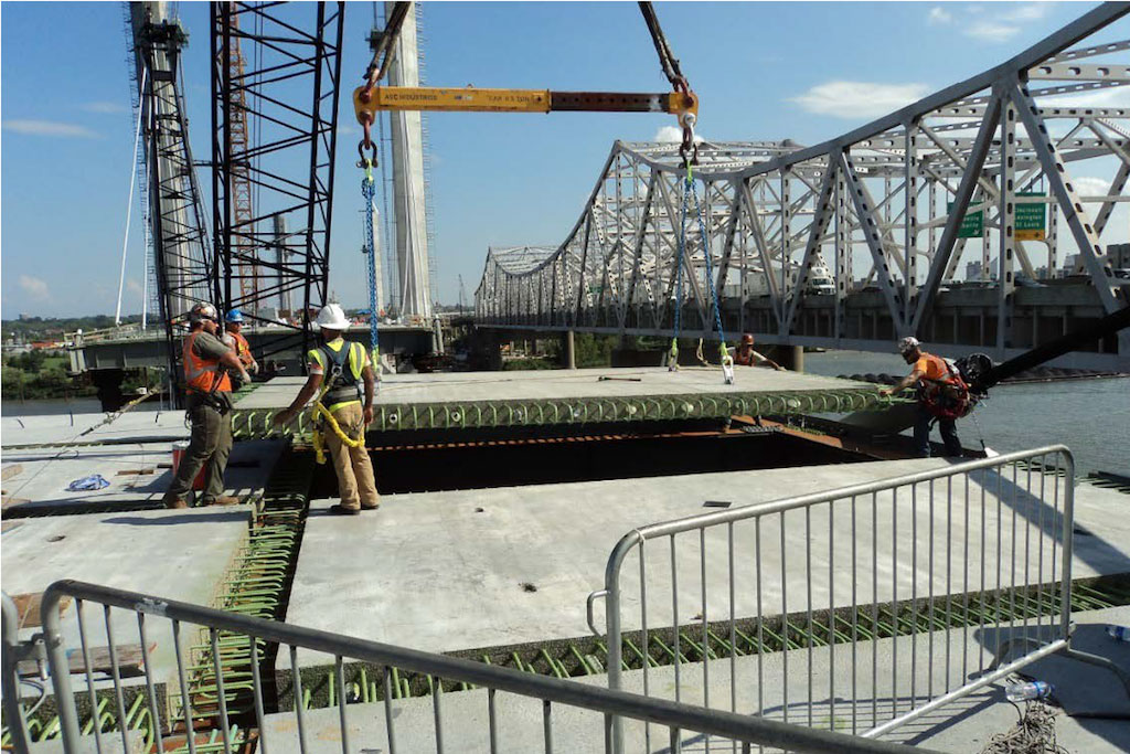 Abraham Lincoln Bridge Construction