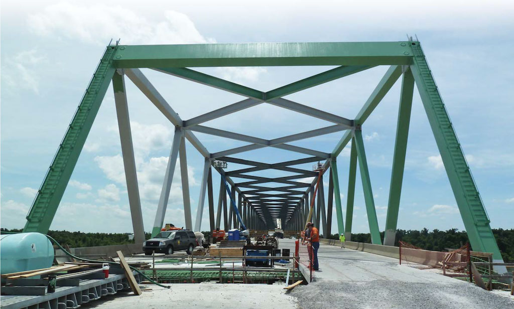 New Kentucky bridge replaces cluttered span