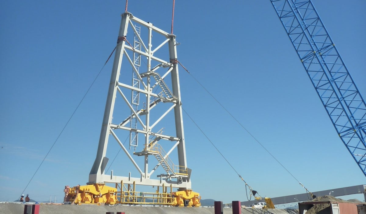 Stacker Bridge Lifted Into Place at the Wiggins Island Coal Export Terminal (WICET)